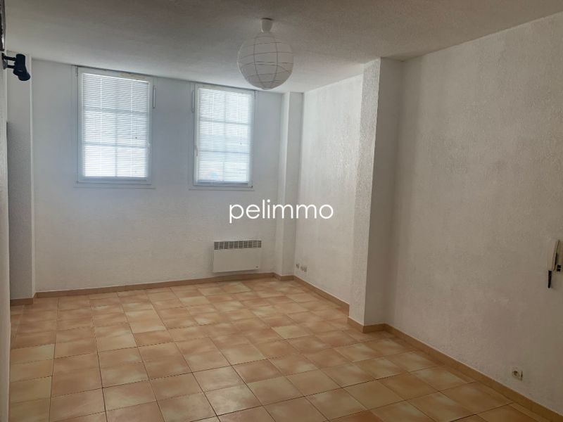 Rental apartment Salon de provence 504€ CC - Picture 3