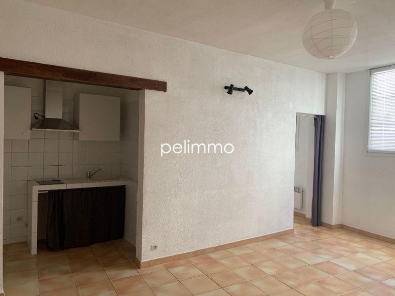 Rental apartment Salon de provence 504€ CC - Picture 4