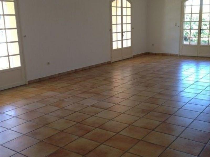 Rental house / villa Pelissanne 1180€ CC - Picture 2