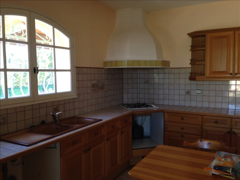 Rental house / villa Pelissanne 1180€ CC - Picture 4