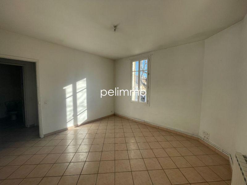 Location appartement Salon de provence 690€ CC - Photo 1