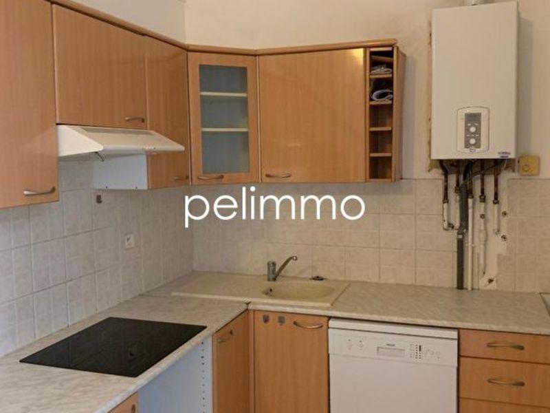 Rental apartment Salon de provence 558€ CC - Picture 2