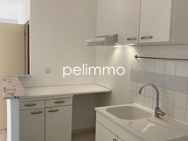 Rental apartment Salon de provence 640€ CC - Picture 4