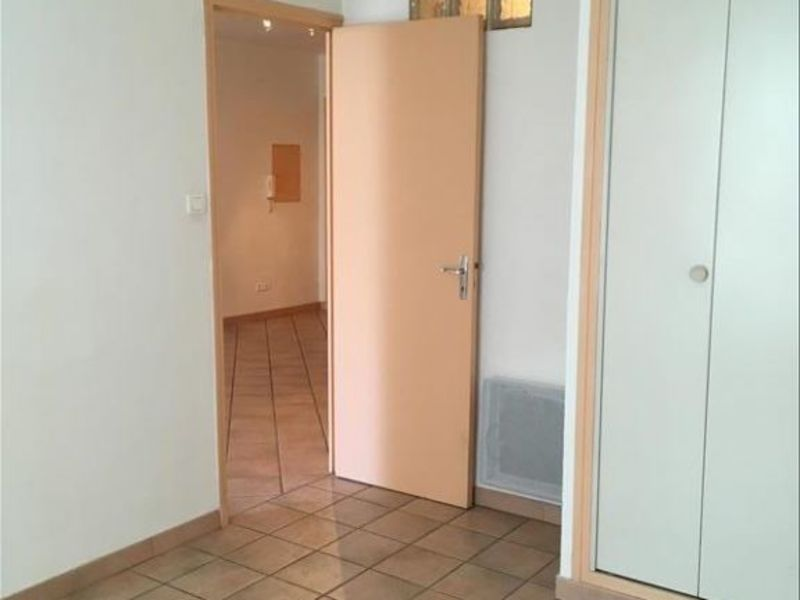 Rental apartment Pelissanne 650€ CC - Picture 5