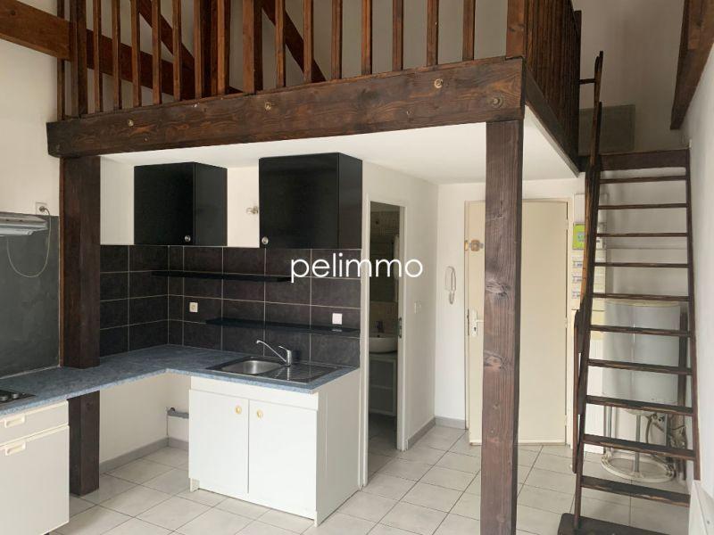 Rental apartment Salon de provence 450€ CC - Picture 1
