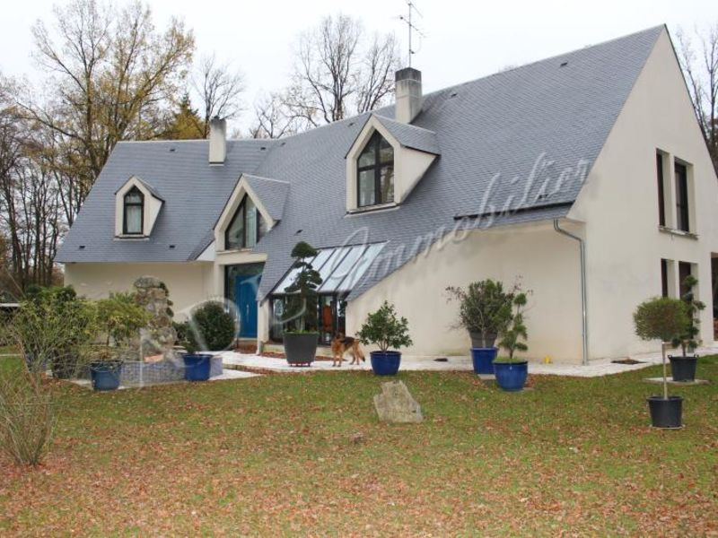 Sale house / villa Lamorlaye 1 400 000€ - Picture 1