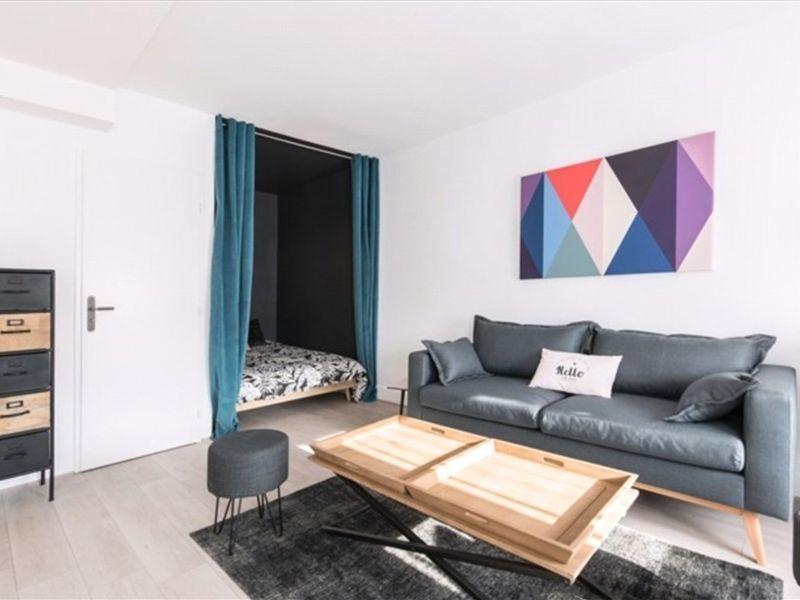 Rental apartment Lyon 07 757€ CC - Picture 1
