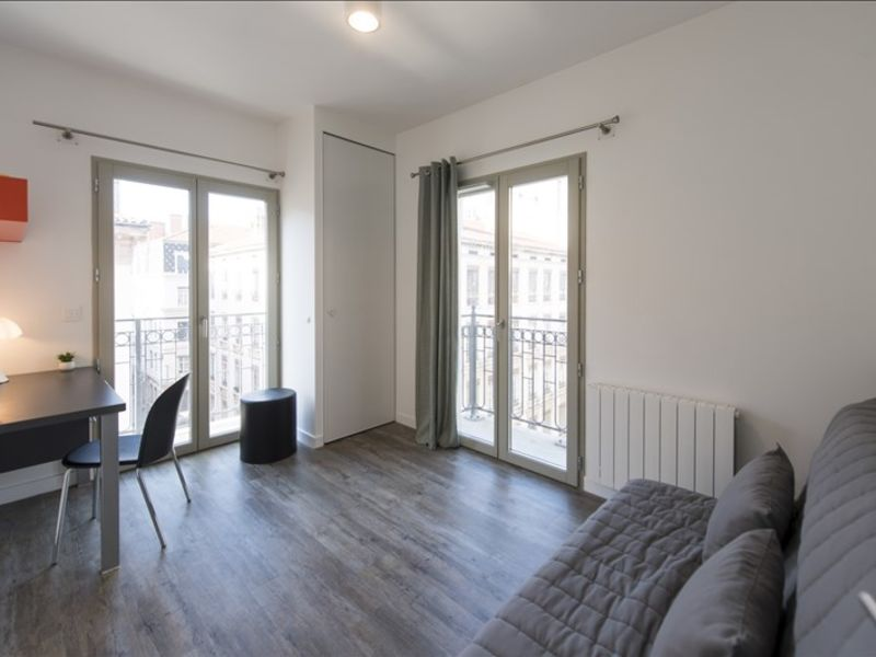 Rental apartment Lyon 02 890€ CC - Picture 1