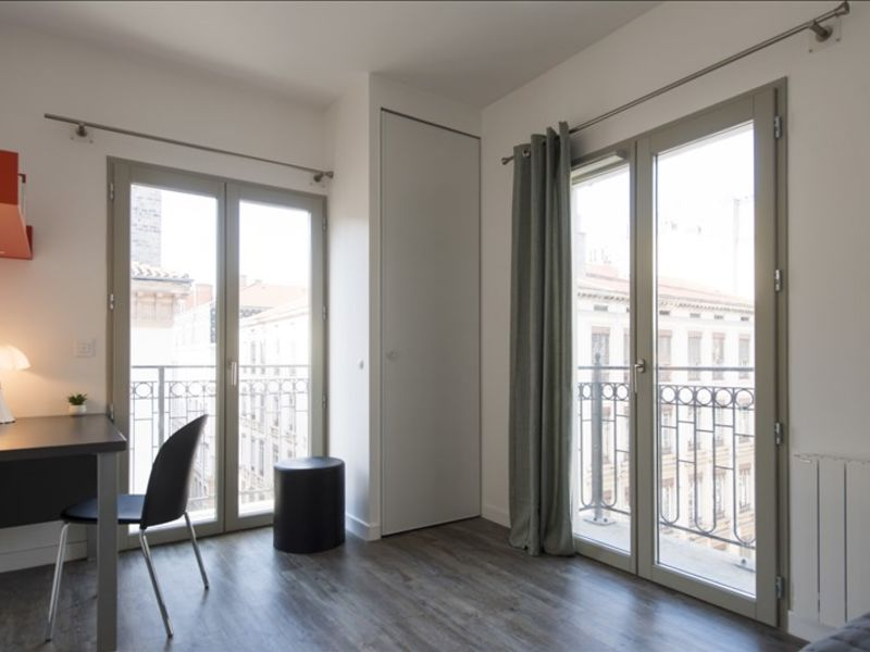 Rental apartment Lyon 02 890€ CC - Picture 2