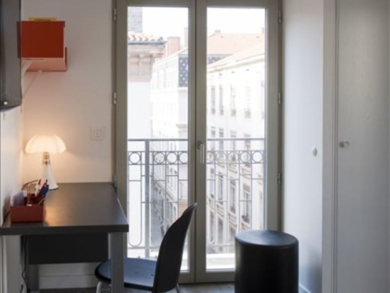 Rental apartment Lyon 02 890€ CC - Picture 4