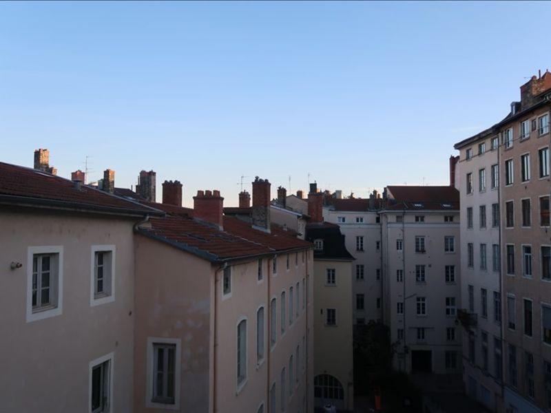 Rental apartment Lyon 01 380€ CC - Picture 2