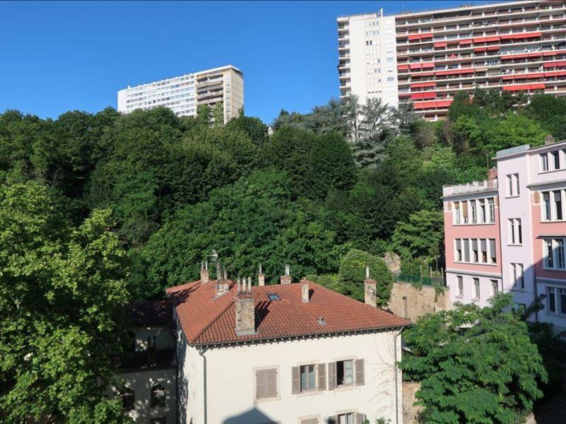 Rental apartment Lyon 04 390€ CC - Picture 1