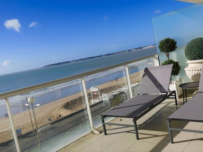 Location appartement La baule 1 800€ CC - Photo 1
