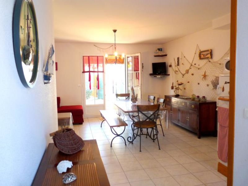 Location maison / villa Vaux sur mer 923€ CC - Photo 4