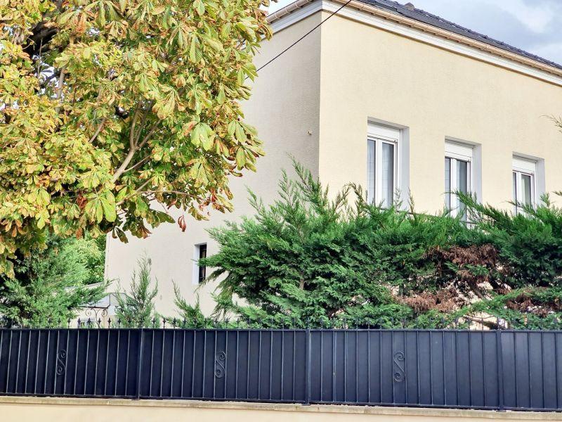 Sale house / villa Le raincy 562000€ - Picture 1