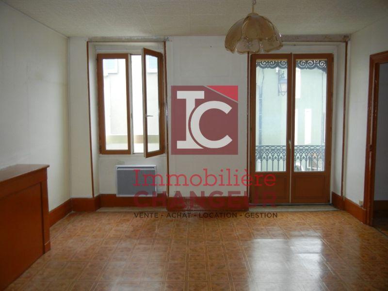 Rental apartment Moirans 369€ CC - Picture 1
