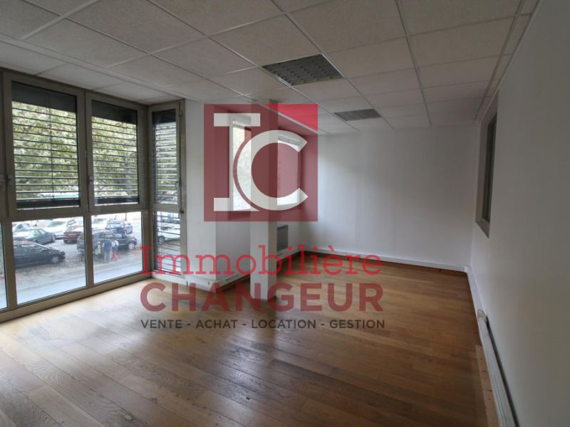 Location bureau Voiron 1 000€ HC - Photo 1