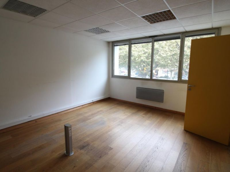 Location bureau Voiron 1 000€ HC - Photo 4