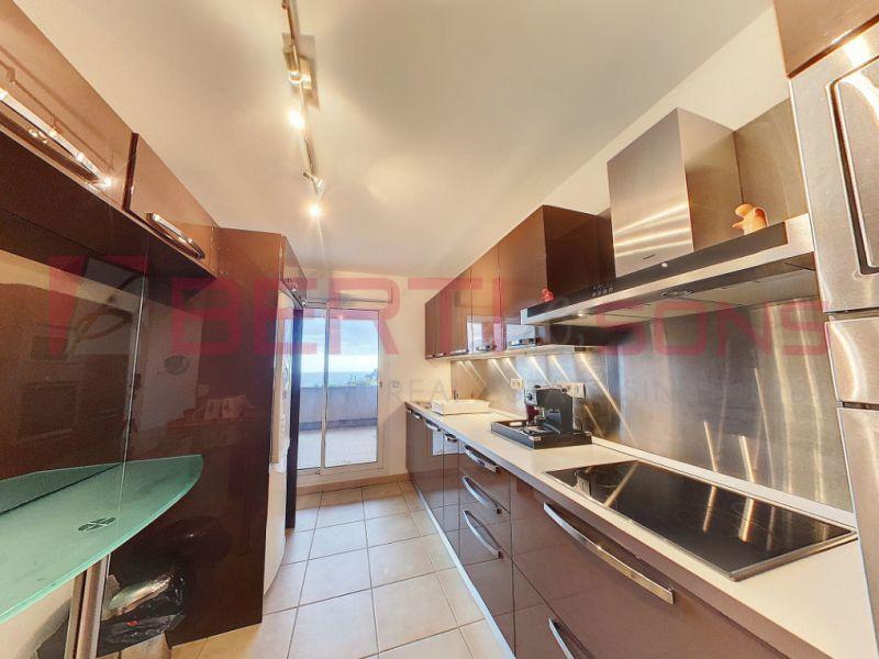 Sale apartment Mandelieu la napoule 798000€ - Picture 2