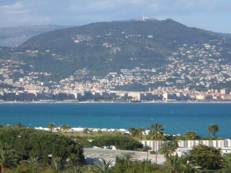 Sale apartment Nice 273000€ - Picture 1