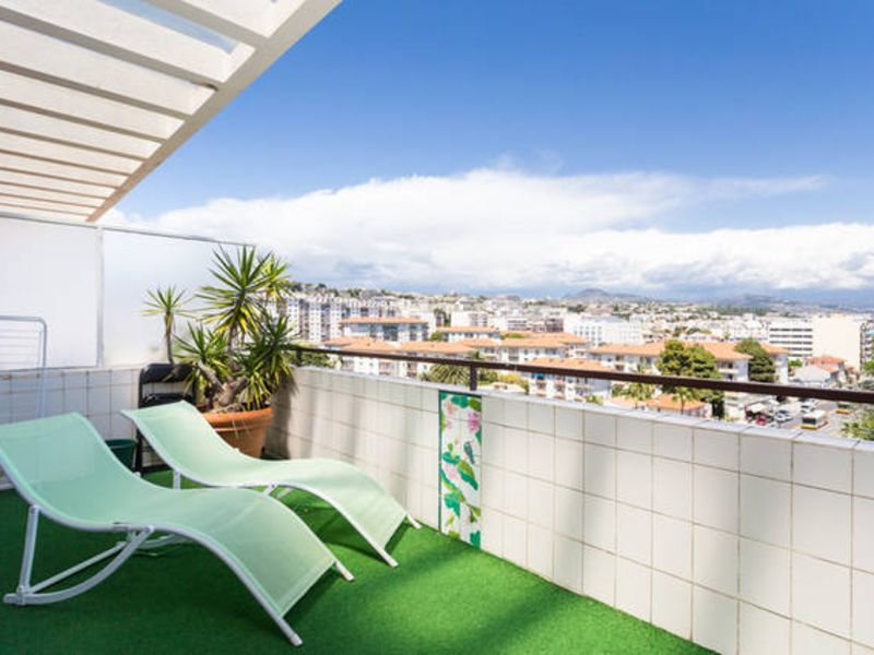 Sale apartment Nice 273000€ - Picture 2