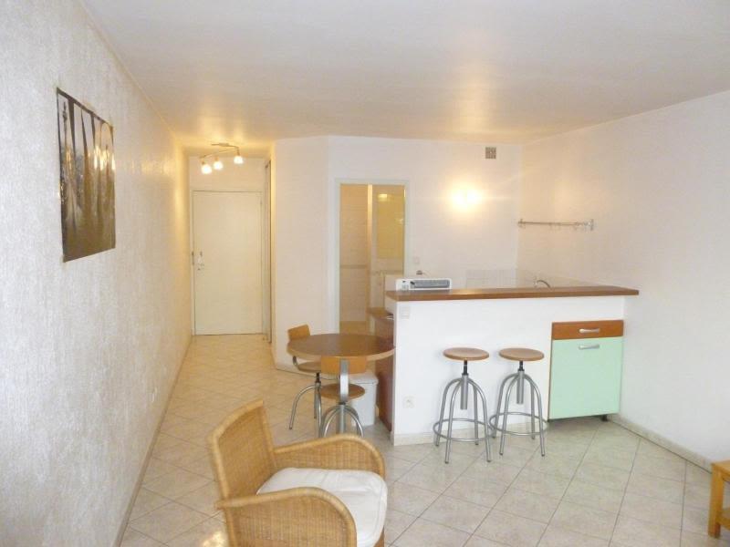 Location appartement Dardilly 506,90€ CC - Photo 1