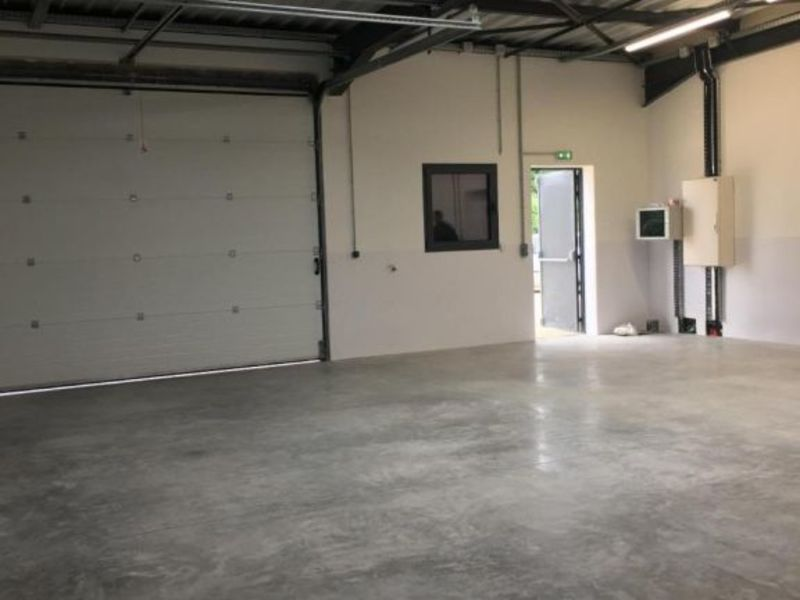 Location local commercial Vif 1200€ HC - Photo 2