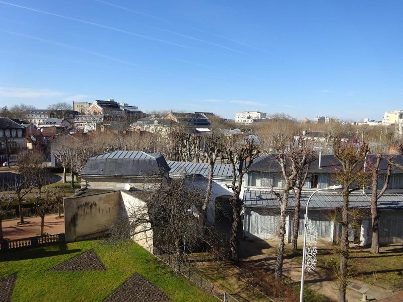 Rental apartment Vichy 130€ CC - Picture 1