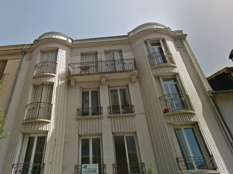Rental apartment Vichy 470€ CC - Picture 1