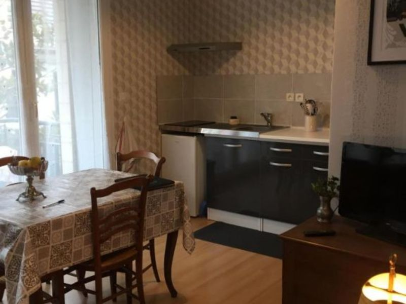 Rental apartment Vichy 250€ CC - Picture 2