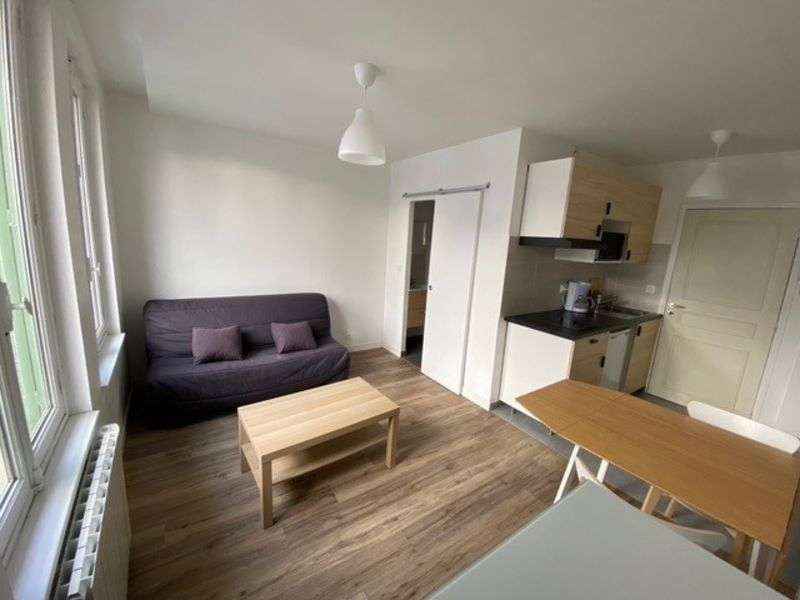 Rental apartment Vichy 400€ CC - Picture 2