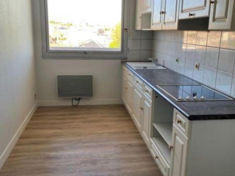 Location appartement Niort 643€ CC - Photo 3