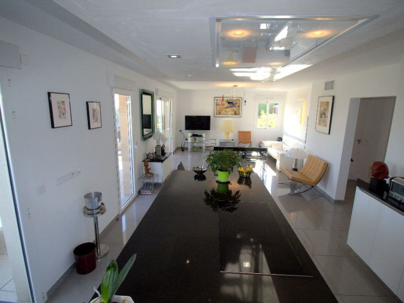 Sale apartment Saint laurent du var 549900€ - Picture 6