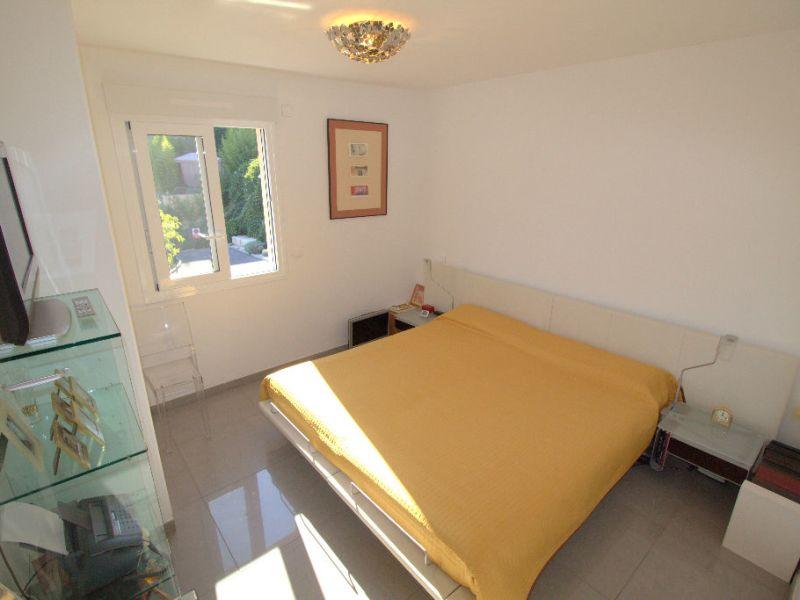 Sale apartment Saint laurent du var 549900€ - Picture 7