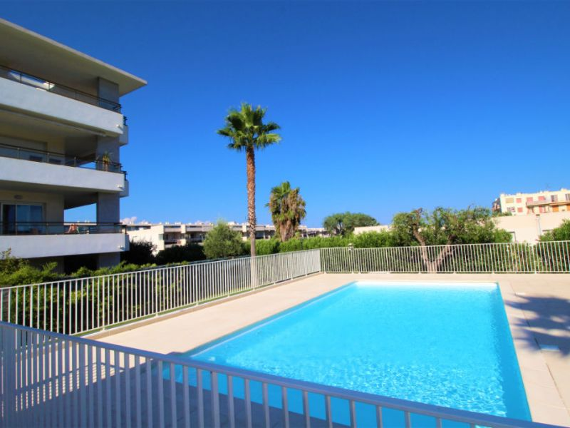 Sale apartment Antibes 730000€ - Picture 1