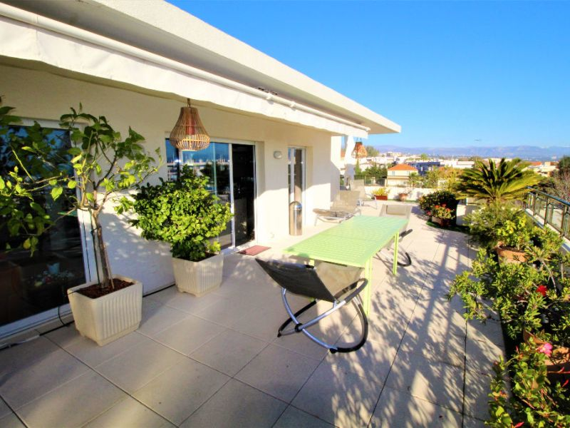 Sale apartment Antibes 730000€ - Picture 12