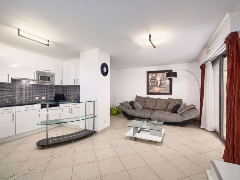 Sale apartment Villeneuve loubet 358 000€ - Picture 2