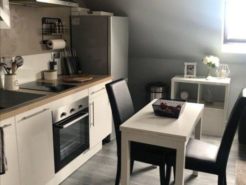 Rental apartment Le plessis belleville 750€ CC - Picture 2