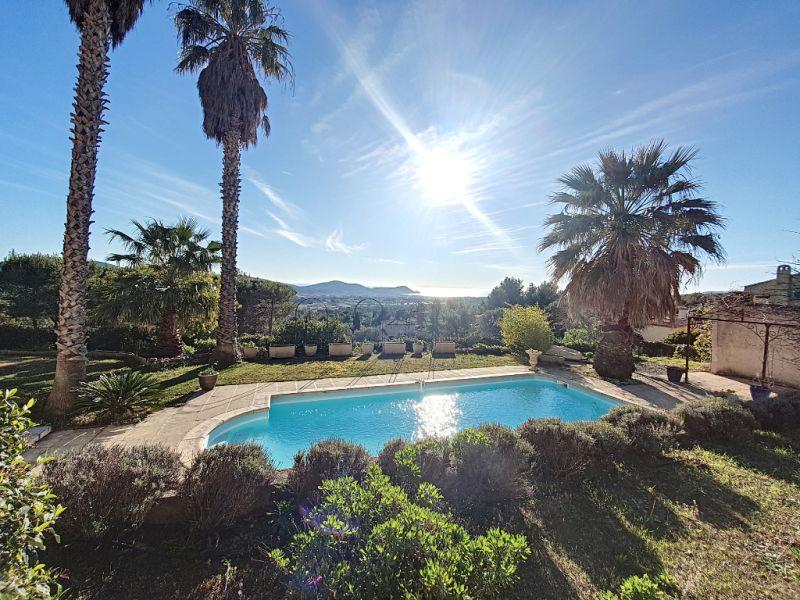 Villa  avec vue panoramique.