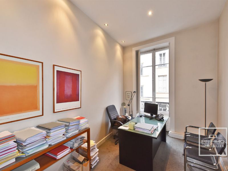 Sale office Lyon 1er 495 000€ - Picture 2