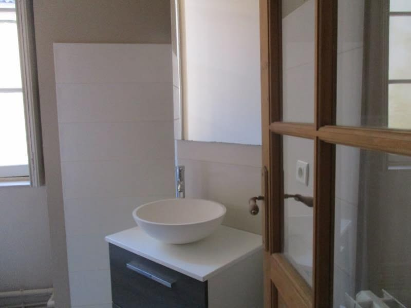 Location appartement Nimes 530€ CC - Photo 9