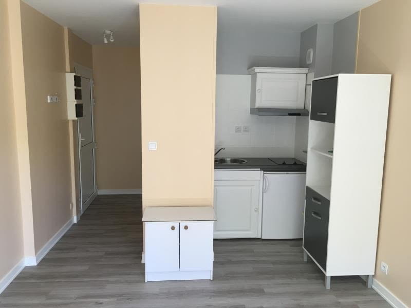 Location appartement Poitiers 340€ CC - Photo 2