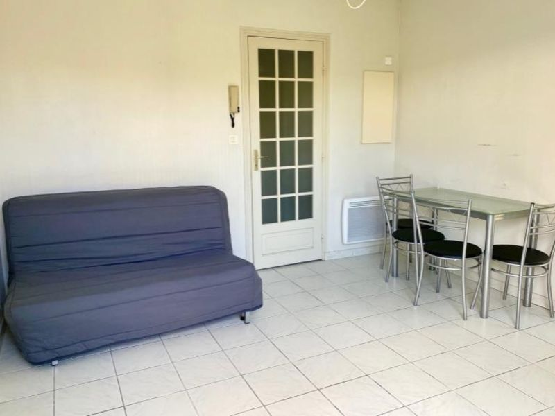 Location appartement Niort 302€ CC - Photo 1