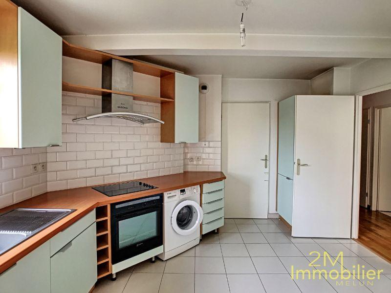 Rental apartment Melun 1177€ CC - Picture 3