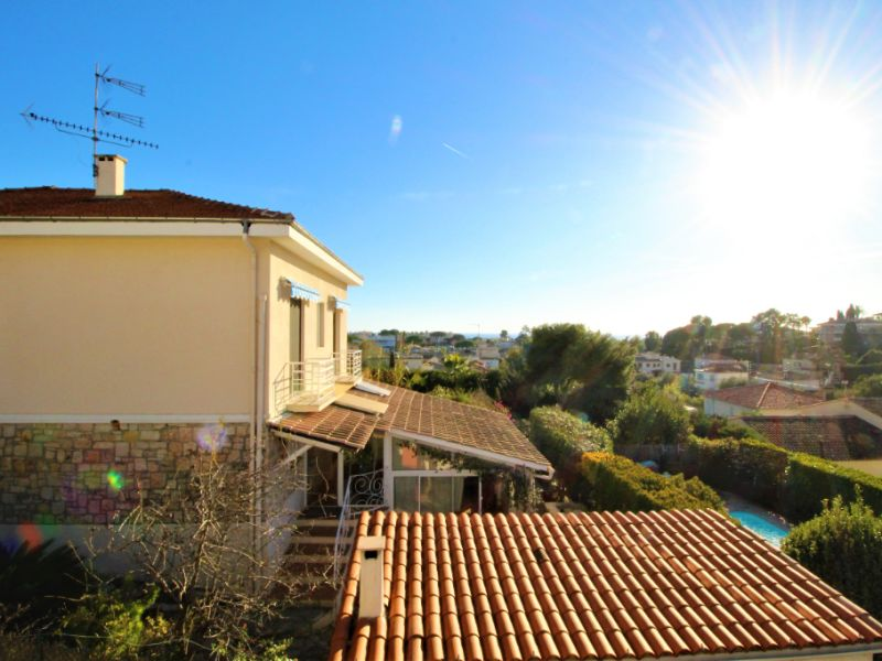 Sale house / villa Antibes 819000€ - Picture 3