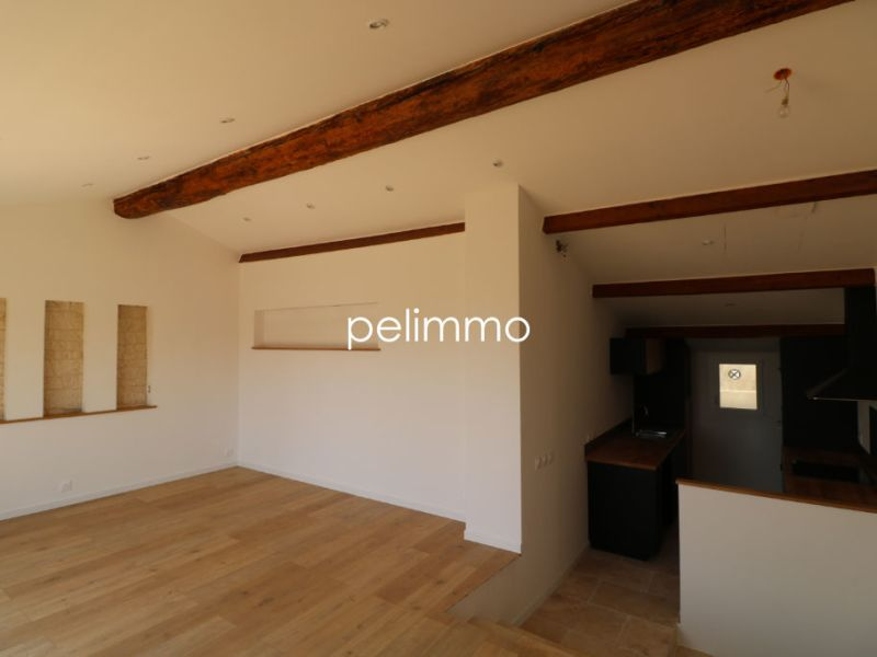 Rental apartment Salon de provence 1 090€ CC - Picture 2