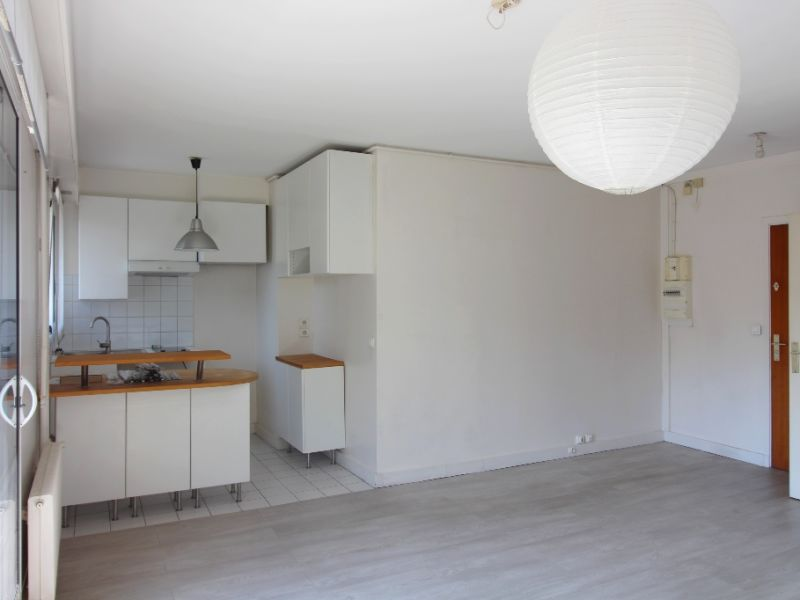 Rental apartment Levallois 980€ CC - Picture 4