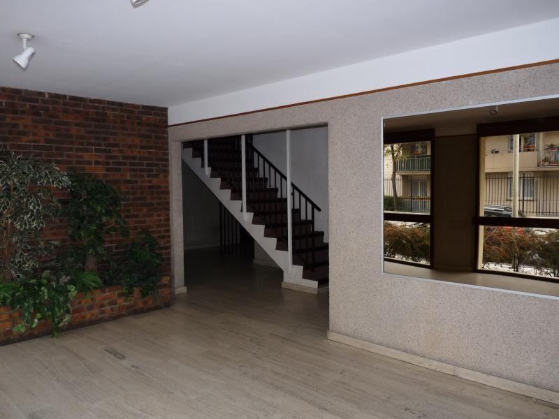 Rental apartment Poissy 912€ CC - Picture 2