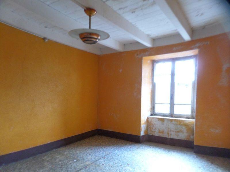Sale house / villa Presailles 64800€ - Picture 11