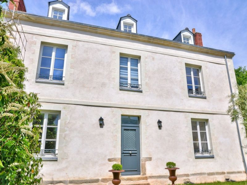 Sale house / villa Laval 749000€ - Picture 2